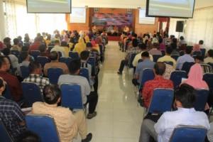 Antusiasme-Peserta-Seminar-Pendidikan-Anti-Korupsi